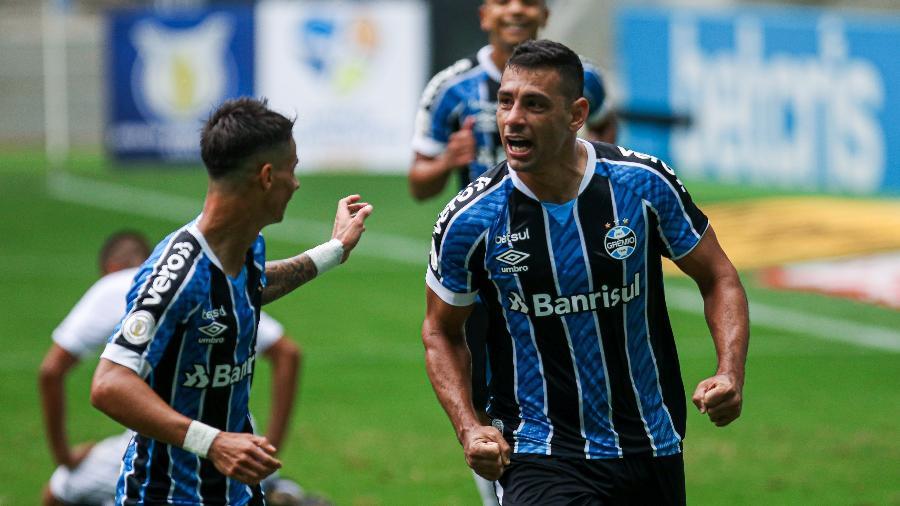 Jogadores do Grêmio comemoram gol; clube é o 3° colocado no ranking da Conmebol, atrás de River e Boca - Fernando Alves/AGIF