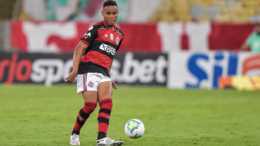 RB Bragantino quer usar joia do Flamengo como divisor de águas no mercado
