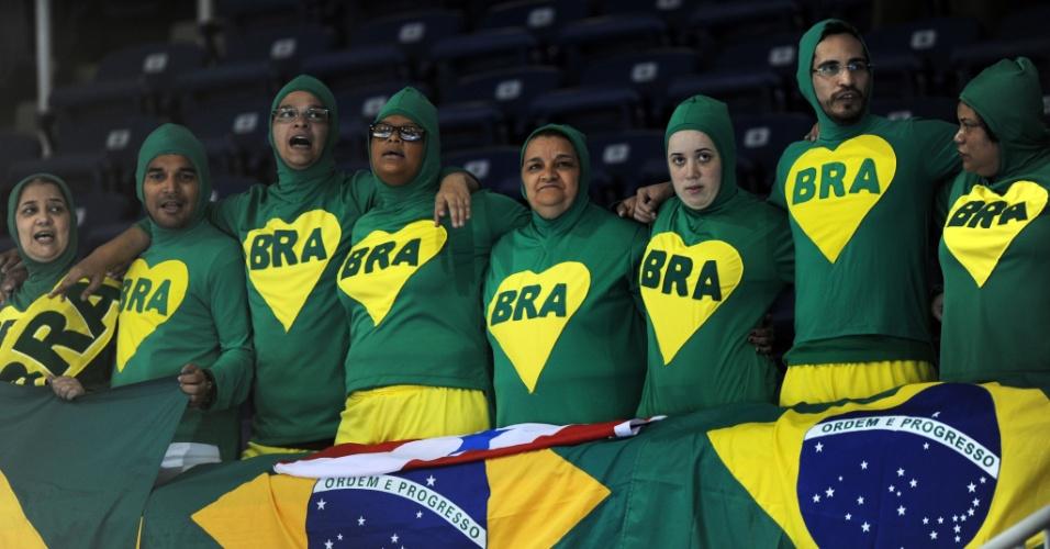 """Chapolins"" brasileiros marcam presença na vitória de Arthur Zanetti na argola"