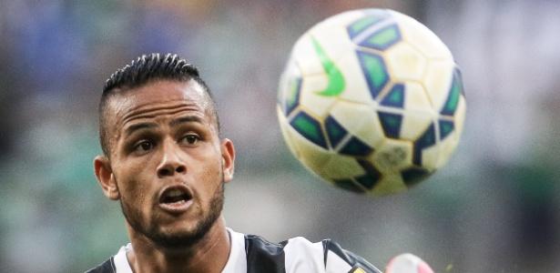 Geuvânio também não se animou com a proposta salarial dos chineses e fica no Santos