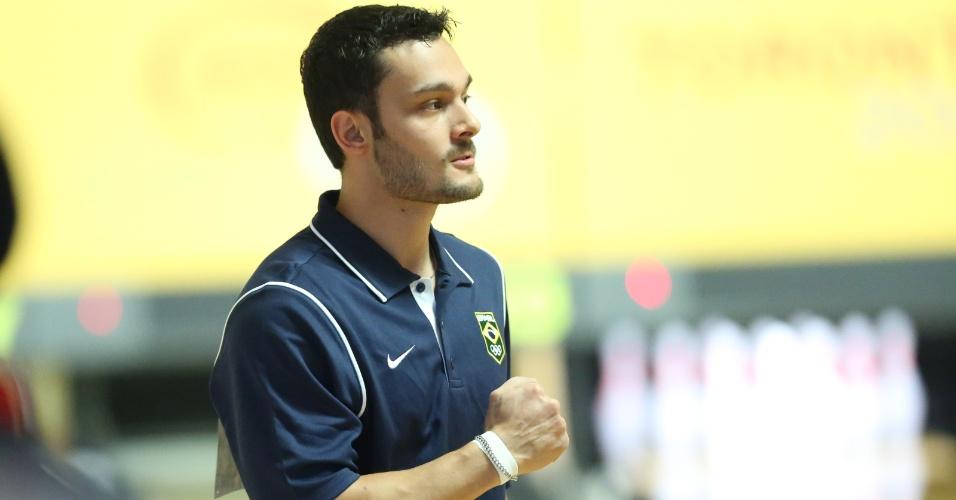 Marcelo Suartz durante a competicao de boliche