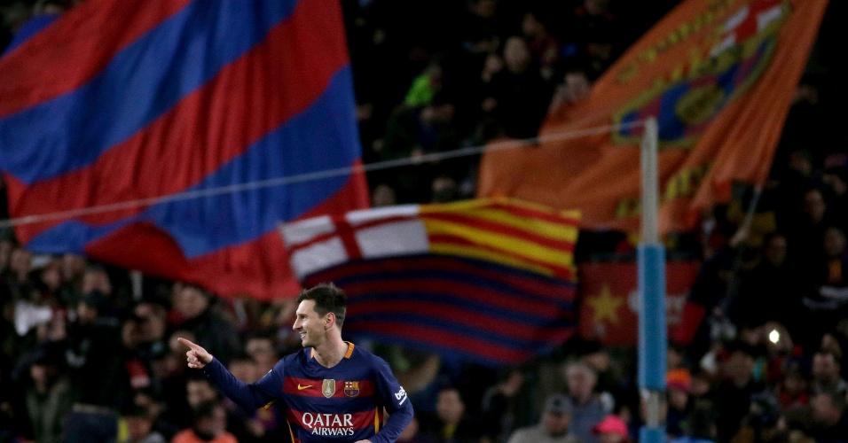 No Camp Nou, Messi comemora gol de pênalti contra o Athletic Bilbao, pelo Espanhol
