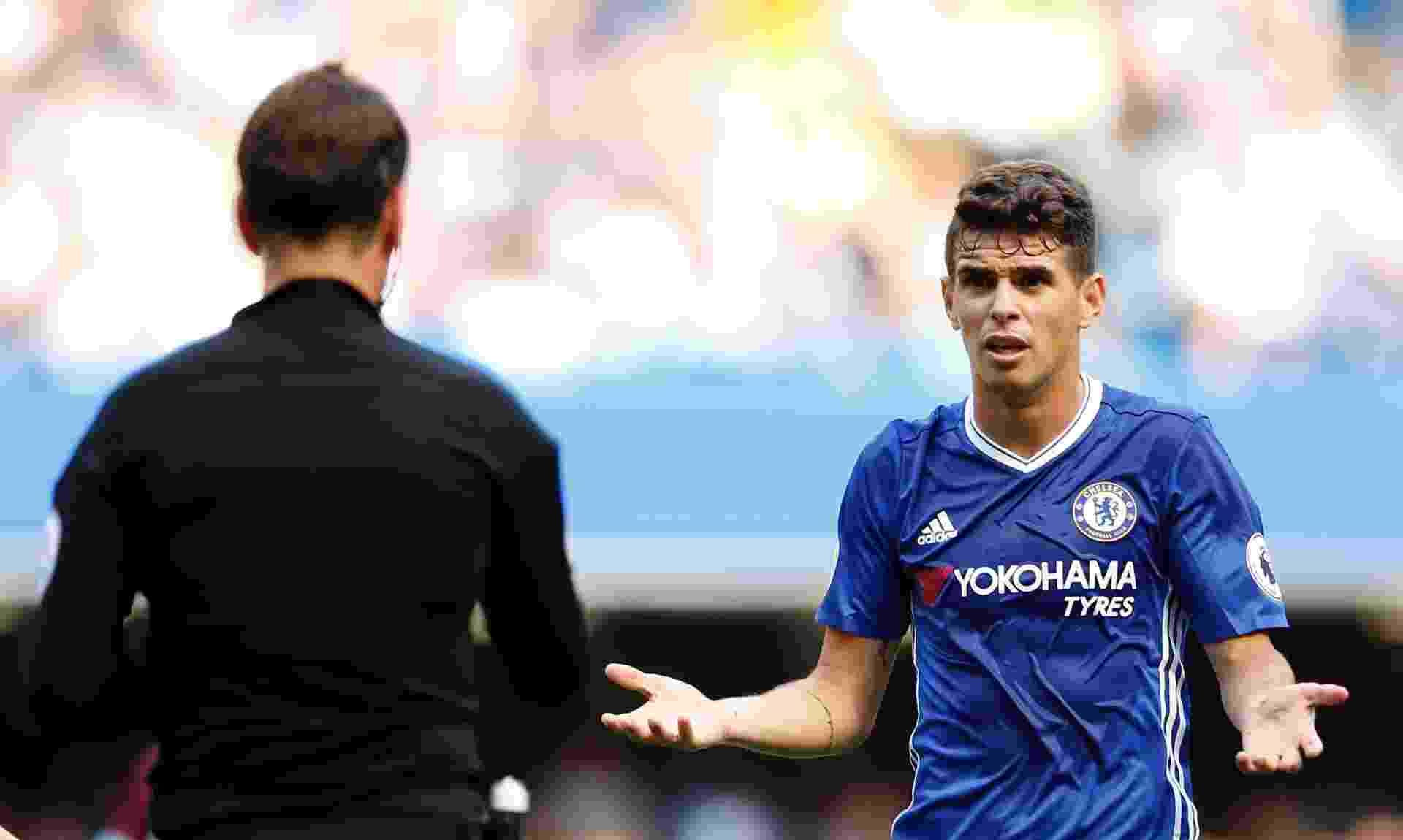Oscar durante jogo do Chelsea pelo Campeonato Inglês - Andrew Couldridge Livepic/Reuters