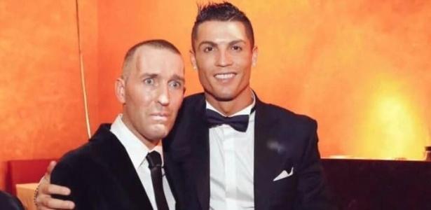 Fernando Ricksen com Cristiano Ronaldo: convite para assistir ao jogo do Real Madrid