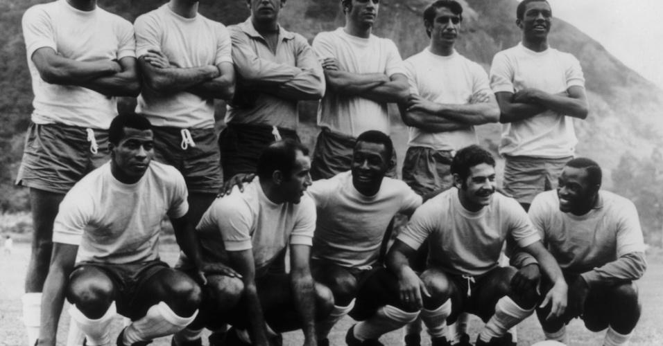 Foto posada da seleção brasileira de 1970, considerada uma das maiores de todos os tempos. Carlos Alberto Torres, o último em pé à direita, era o capitão e um dos líderes do time