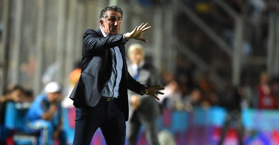Edgardo Bauza comanda a Argentina na partida contra a Colômbia