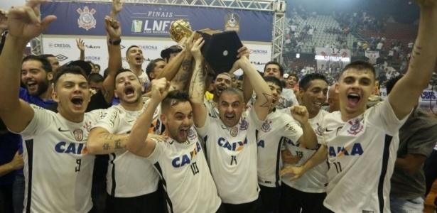 1b173cb5b7faf Corinthians goleia time de Falcão e é campeão pela 1ª vez da Liga de Futsal
