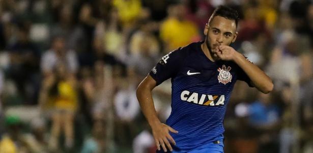 Maycon ainda não sabe por qual setor do campo vai atuar contra o Botafogo-SP