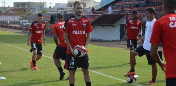Eduardo já participa dos treinos com o restante do elenco do Atlético-GO