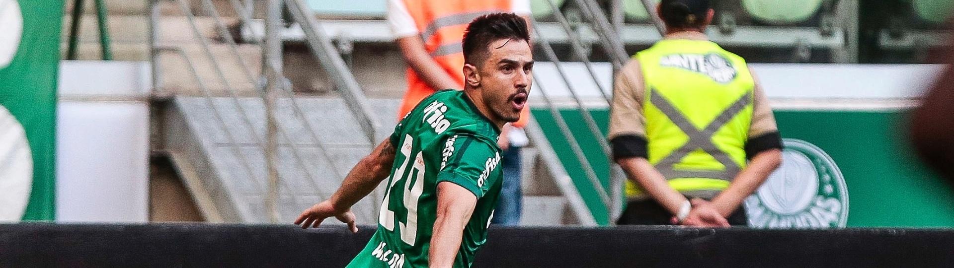 Willian marcou duas vezes na vitória do Palmeiras sobre o São Paulo