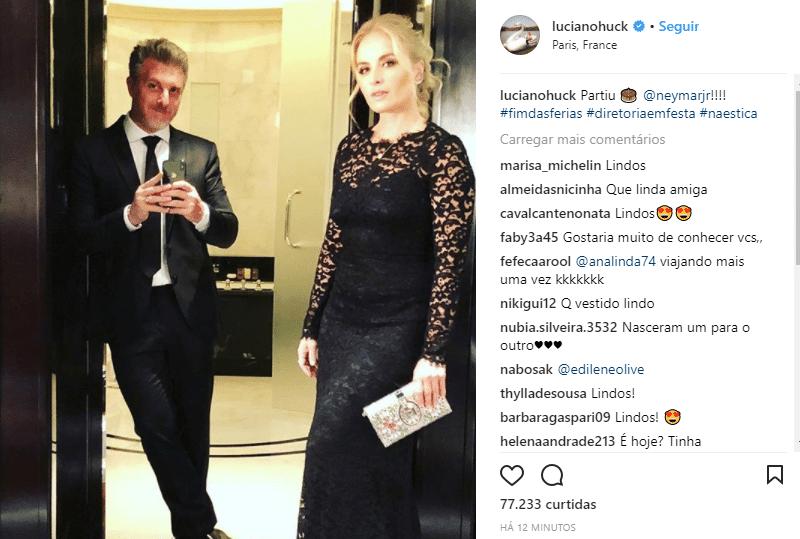 Que estilo! Já no traje black-tie, exigido pela festa, Luciano Huck e Angélica posaram para foto