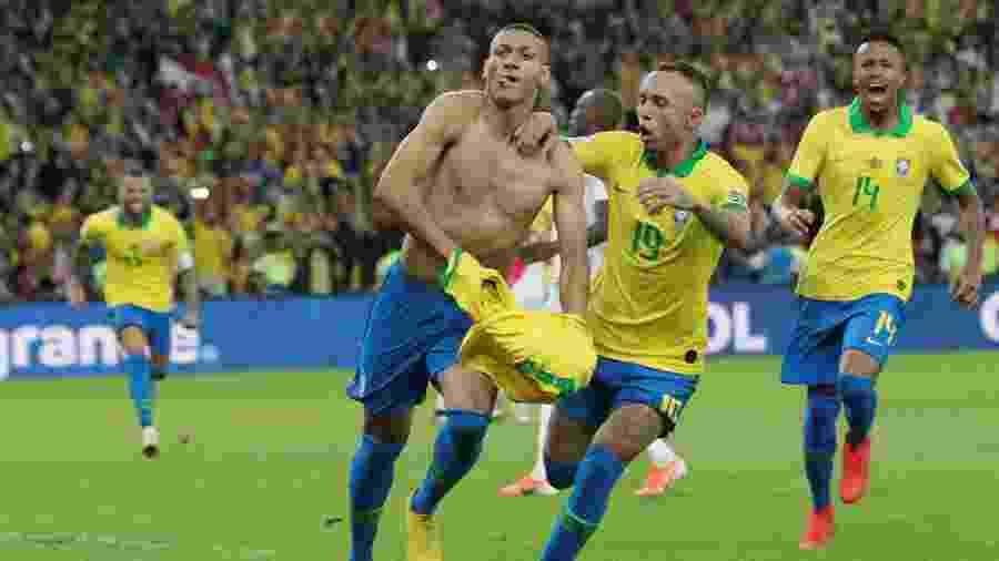 Richarlison comemora gol do Brasil contra o Peru na final da Copa América deste ano - REUTERS/Henry Romero