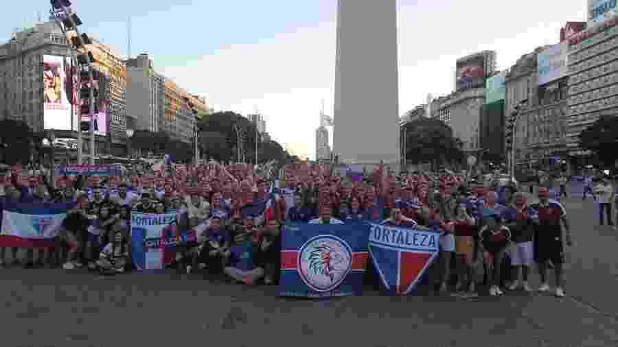 Torcida do Fortaleza invade o Obelisco, em Buenos Aires - Dudu Oliveira/Fortaleza EC