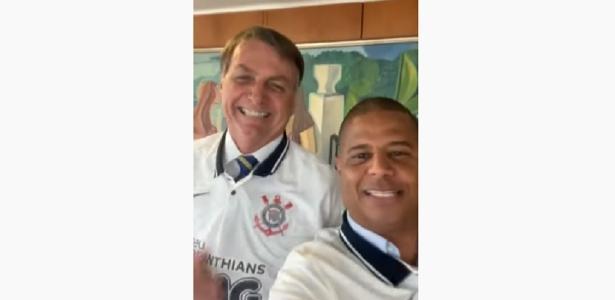 Menon | Marcelinho dá Corinthians a Bolsonaro