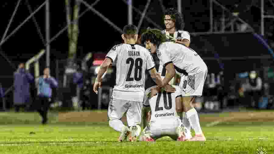 """Clube paraguaio disse que não vai """"se relutar"""" a jogar, mas promete ação judicial diante da liberação - Divulgação/Twitter"""