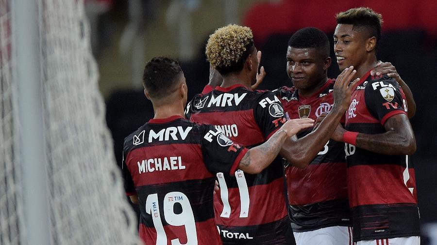 SBT empata com a Globo em nova transmissão da Libertadores no Rio.
