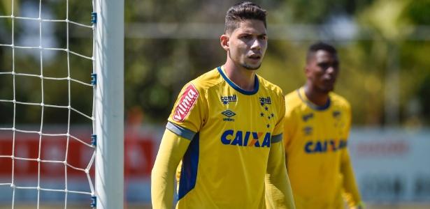 Lucas França é o substituto de Fábio no gol do Cruzeiro