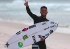 Filipe Toledo ganha 10 com dois aéreos na mesma onda e avança às quartas - WSL / Divulgação
