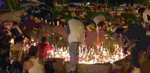 Homenagens fora do Atanásio Girardot à Chapecoense - Felipe Pereira/UOL - Felipe Pereira/UOL