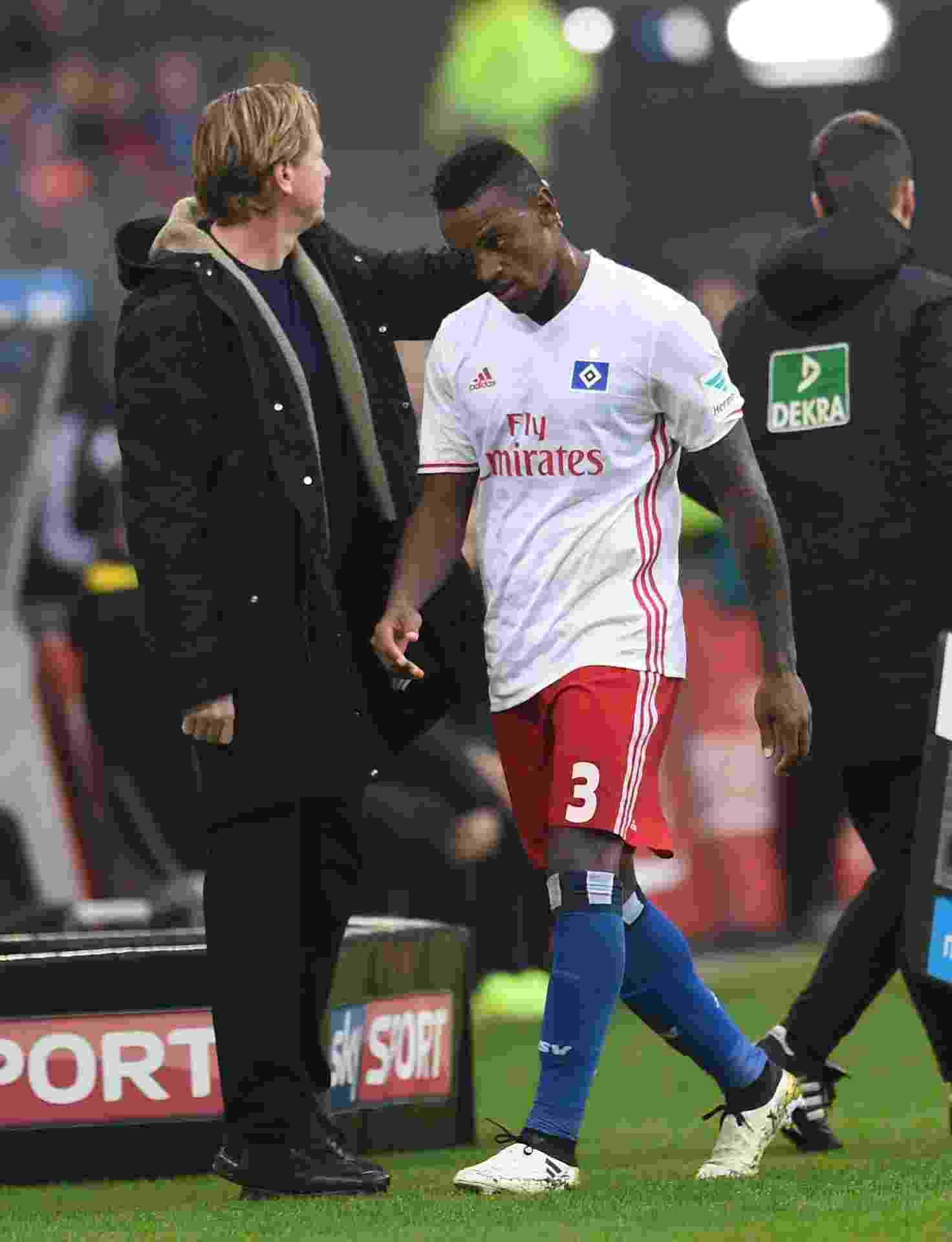 Negociado pelo Corinthians com o Hamburgo, o zagueiro Cleber pode estar de saída do futebol alemão; Santos aparece como possível destino - AFP / CARMEN JASPERSEN