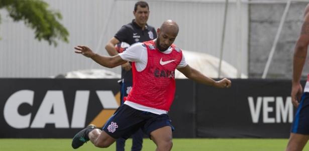 Fellipe Bastos ganhou a vaga de titular na equipe do Corinthians