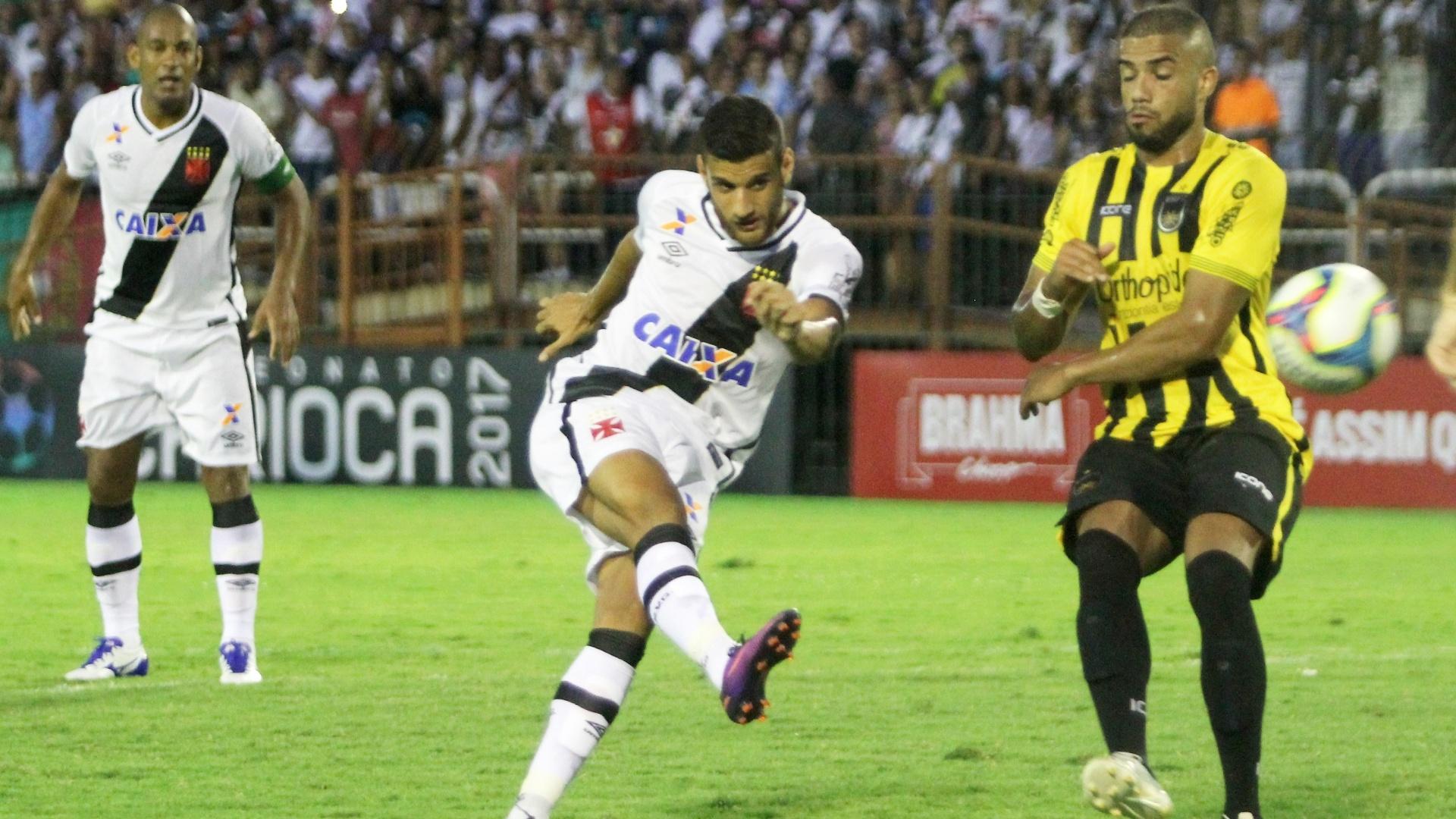 Guilherme, do Vasco, perde gol contra Volta Redonda