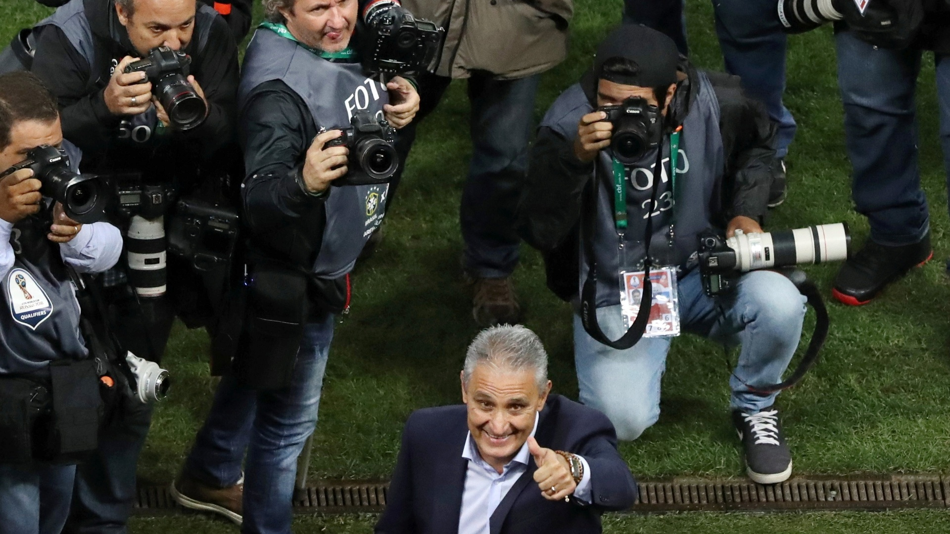 Tite agradece o apoio dos torcedores na Arena Corinthians