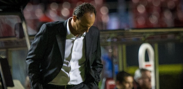 Rogério Ceni negou que a eliminação em casa para os argentinos seja um vexame