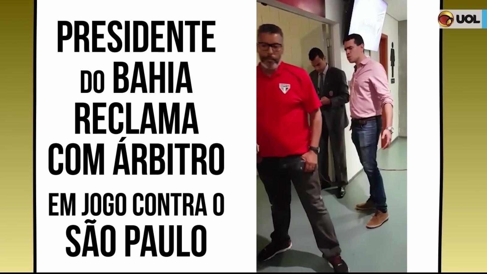 Marcelo Sant'anna, presidente do Bahia, reclama com a arbitragem durante a partida contra o São Paulo