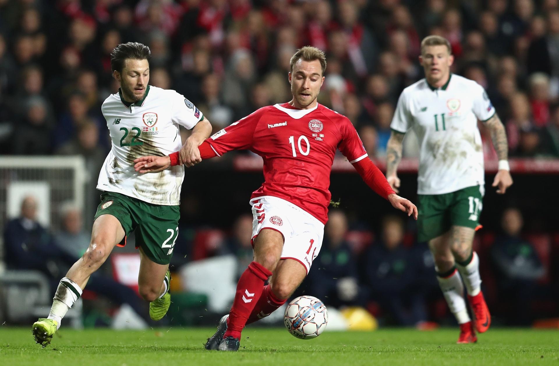 Dinamarca e Irlanda empatam sem gols no 1º jogo da repescagem para a Copa -  11 11 2017 - UOL Esporte 7339f3500f19d