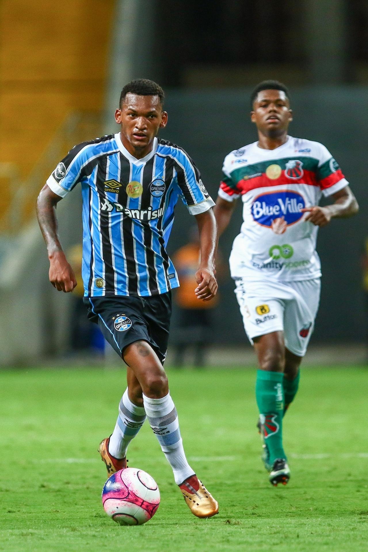 Grêmio cita jovens e não vê necessidade de reposição a Jailson - 11 06 2018  - UOL Esporte f0d1430d2db40