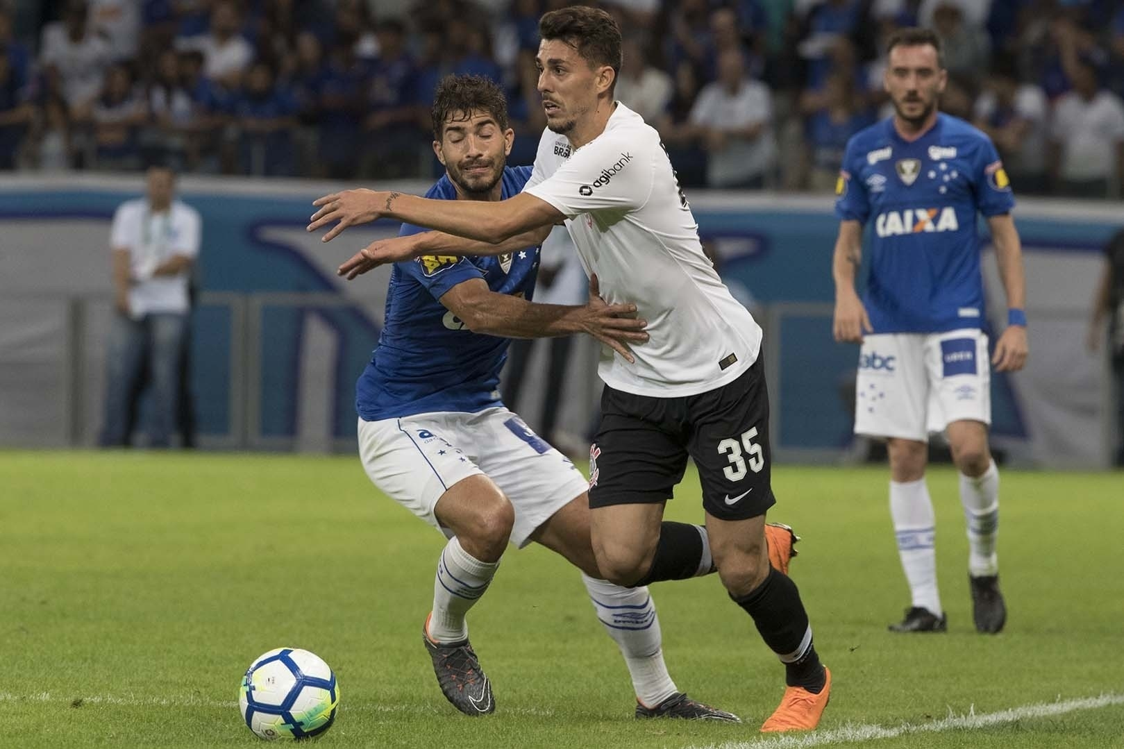 f25499198f Corinthians terá dois novos titulares no jogo contra o Grêmio  veja o time  - Esporte - BOL