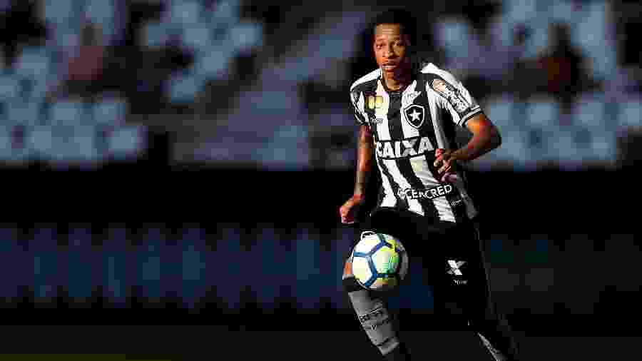 Gustavo Bochecha aproveitou chance e teve grande desempenho com a camisa do Botafogo - VITOR SILVA/SSPRESS/BOTAFOGO