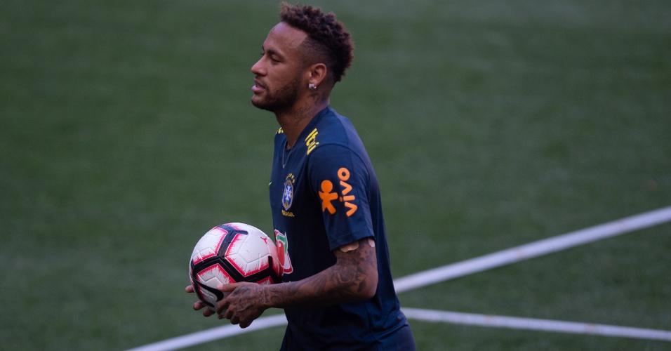 Neymar durante treino da seleção brasileira em Nova Jersey