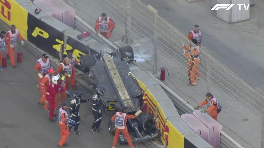 Carro de Hulkenberg capotado durante GP de Abu Dhabi - Reprodução