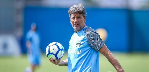 Renato Gaúcho tem conversado com dirigentes do Grêmio em busca de reforços para 2019 - Lucas Uebel/Grêmio