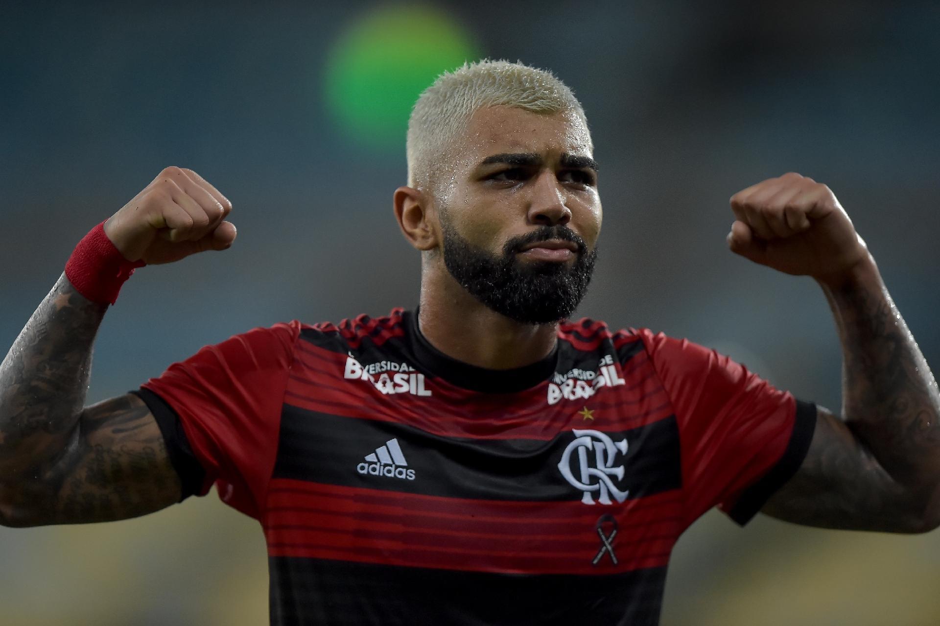 c8556272dbec5 Flamengo  Gabigol se divide entre gols e chances perdidas para virar  retrato do Rubro-negro