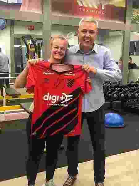 Professora de academia posta foto de encontro com Tiago Nunes, técnico do Athletico - Reprodução/Instagram