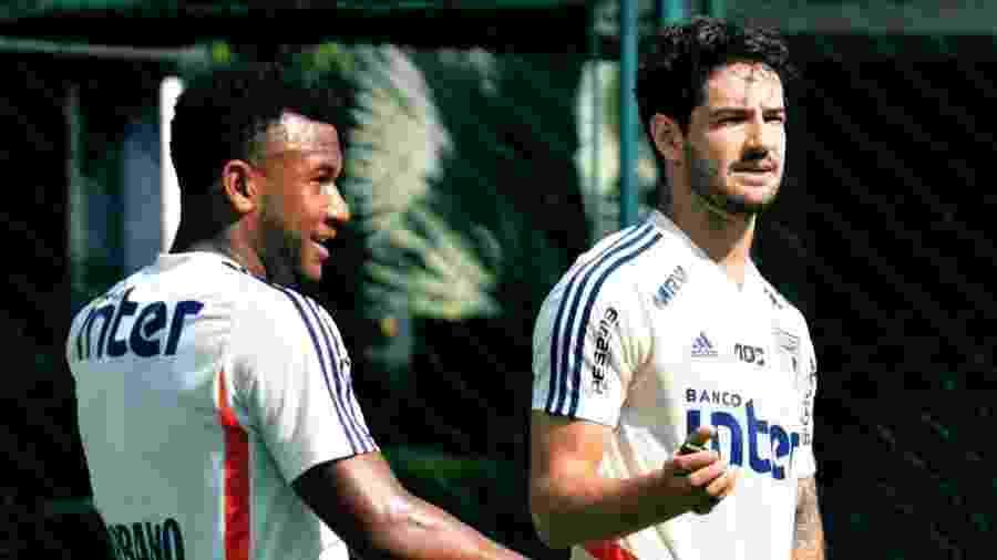 Luan, volante, e Alexandre Pato, atacante do São Paulo - saopaulofc.net