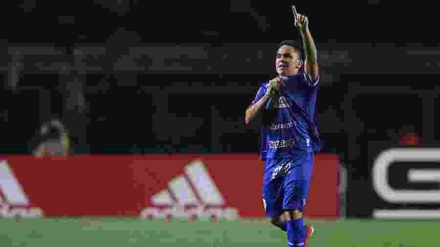Paraguaio Bustamante deve desfalcar CSA contra o Botafogo - Marcello Zambrana/AGIF