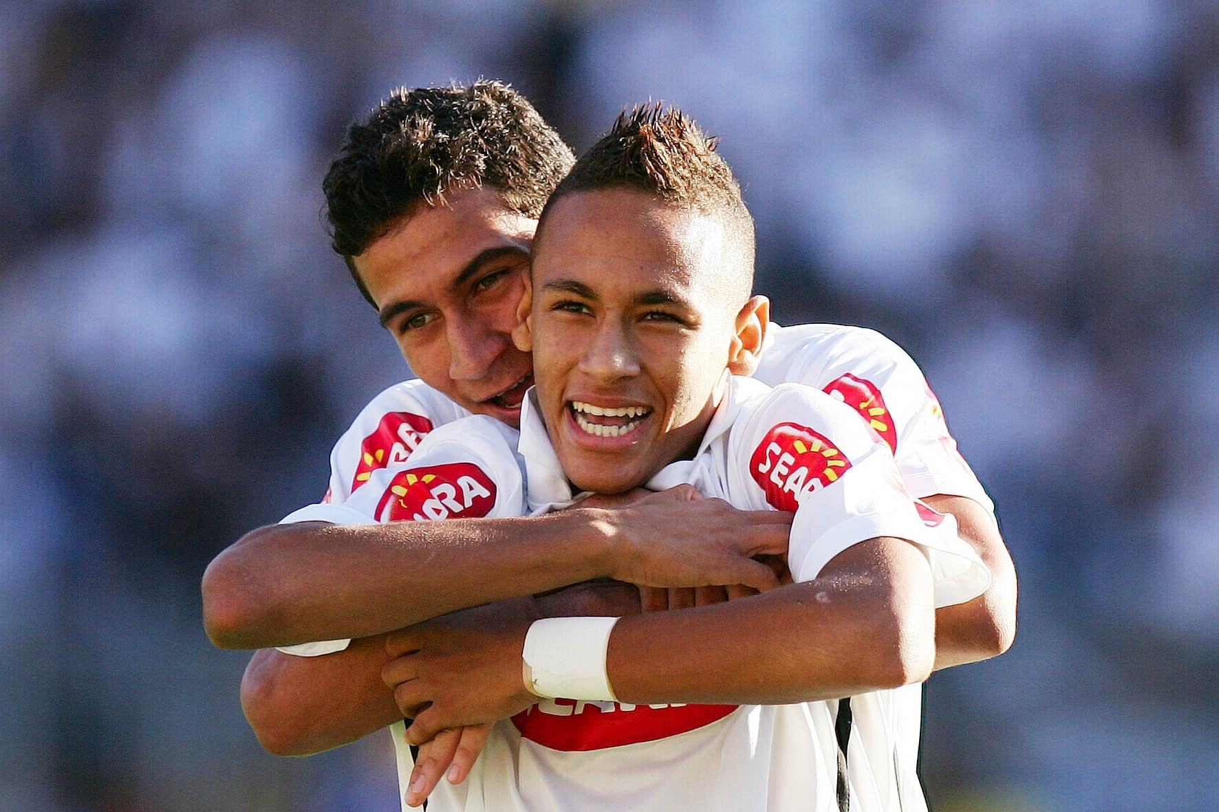 Santos: Dunga cogitou, mas não levou Neymar e Ganso em 2010