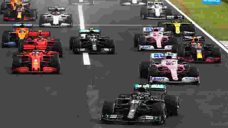 Segundo no grid, finlandês da Mercedes caiu para o sexto lugar na largada - Mark Thompson/Getty Images