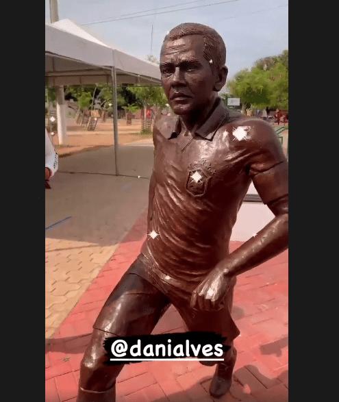 Estátua de Daniel Alves, em Juazeiro (BA)