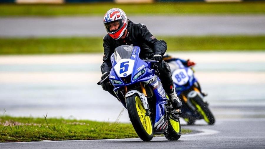 Após deixar cargo no São Paulo, Lugano se aventura em corridas de moto - LZ Photos/Divulgação