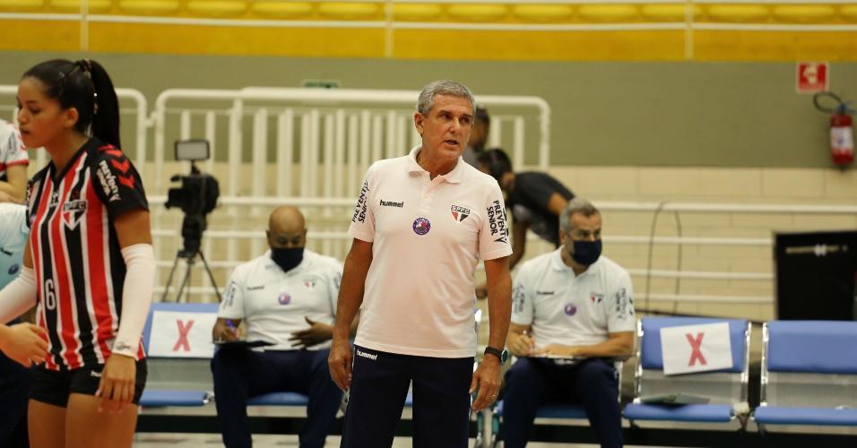 Técnico Zé Roberto Guimarães, do São Paulo/Barueri
