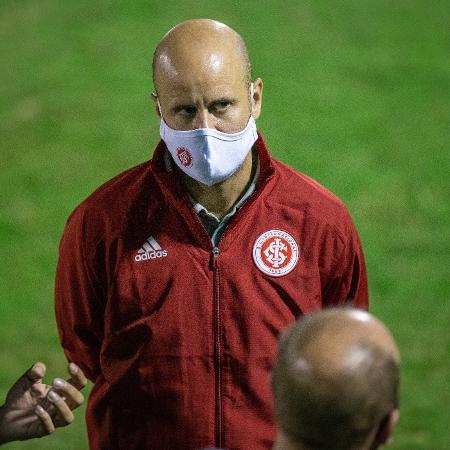 Miguel Ángel Ramírez, técnico, do Internacional, antes de partida do Gauchão - RAUL PEREIRA/FOTOARENA/ESTADÃO CONTEÚDO