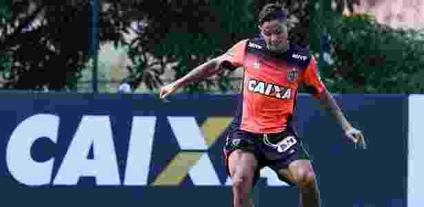 Carlos Eduardo está vetado para o duelo com o Grêmio, clube que o lançou para o futebol - Bruno Cantini/Clube Atlético Mineiro