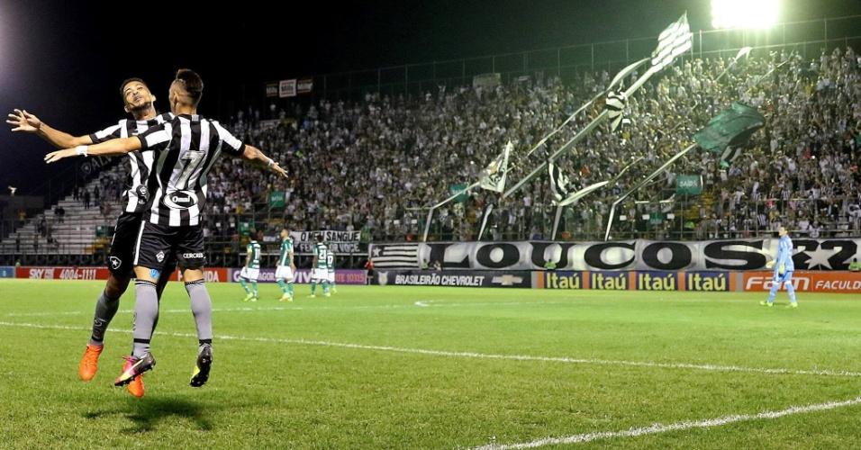 Neílton comemora gol do Botafogo diante do Palmeiras