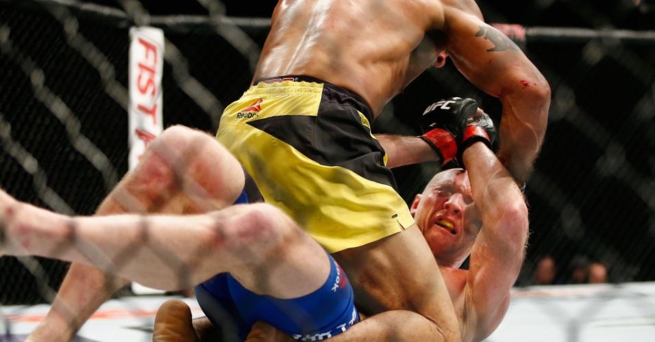 """Roan """"Jucão"""" castiga trival no UFC 208, mas perde a luta"""