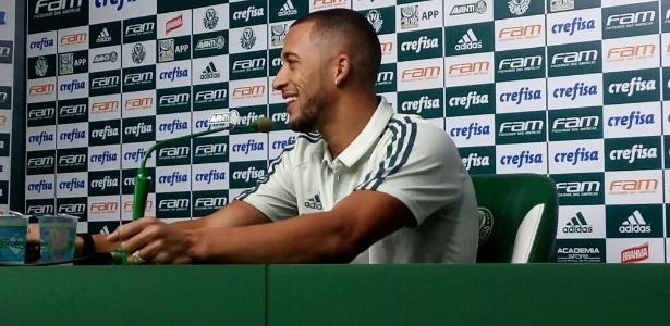 Vitor Hugo arrancou risadas dos presentes na última entrevista pelo Palmeiras
